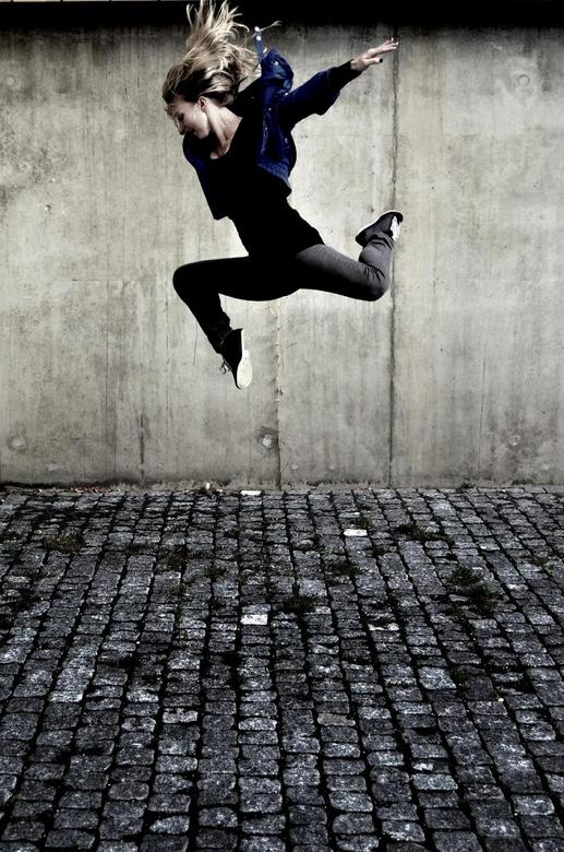 Laura.JPG - Jump!