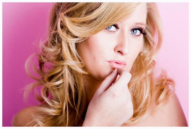Fashion in roze - Gewoon een mooi fashion portret die bij mijn logokleur past en dus ook als frontfoto op mijn website staat!