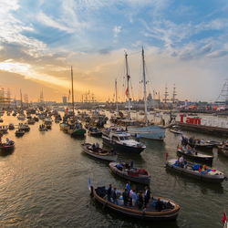 Avond valt over Sail Amsterdam 2015