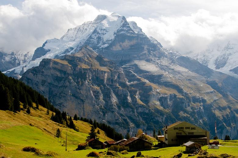 Jungfrau.jpg - Tijdens een van onze wandelingen hadden we een magnifiek zicht op de Jungfrau.