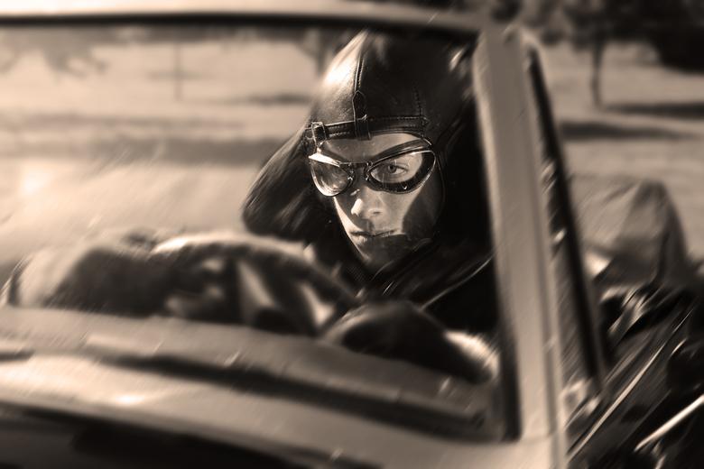 Pieter  - Fotoshoot met Pieter. De auto is een Austin Healy.
