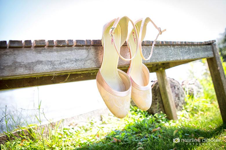 Shoes - Marlies Dekker Fotografie - bruidsfotografie en huwelijksfotografie