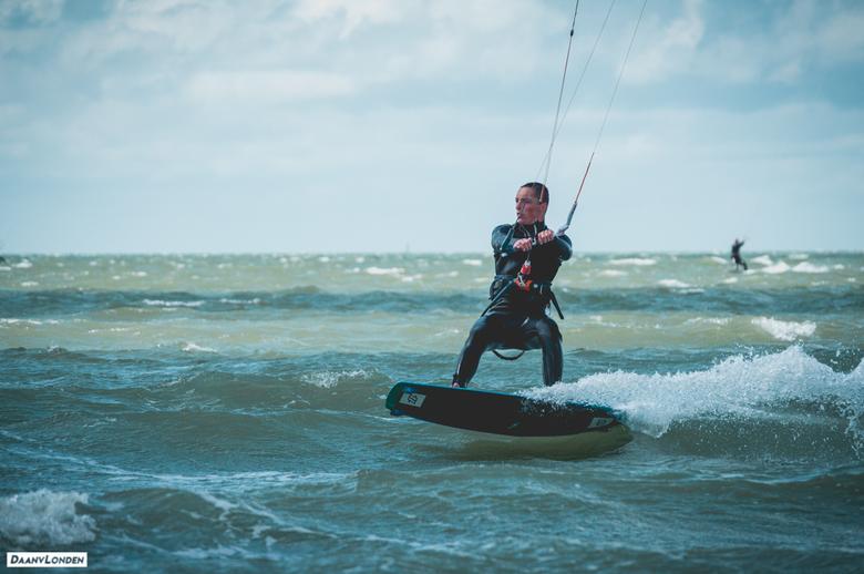 Kitesurfing - Een poging tot sport fotografie!