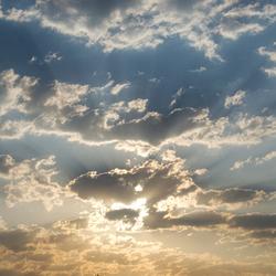 Wolkendek in de ochtend