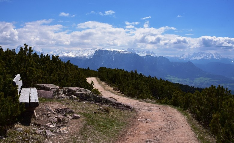 zitje op de eerste rij - Panorama genomen vanaf de Ritten/Corno del Renon in Italie, even ten noorden van Bolzano, met zicht op de Schlern /Sciliar ,S