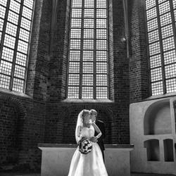 Bruidspaar in klooster