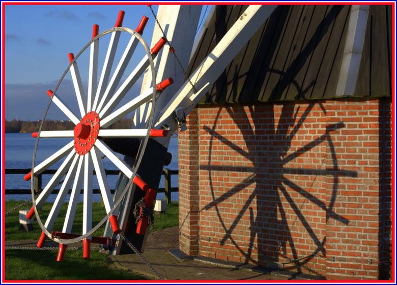 Hollands glorie 3 - Vond de schaduw leuk...<br /> <br /> Wat een prachtige zonnige dag gisteren in Groningen. Ben lekker op de fiets gestapt, bbrrr