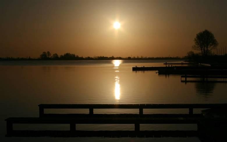 zon komt op  - zon's opkomst bij noord AA in zoetermeer