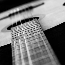 Mijn gitaar.... (2)