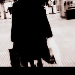 Oma in de metro
