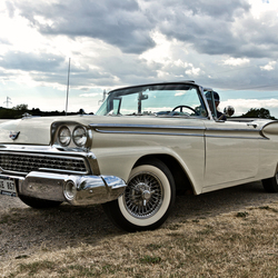 Ford Galaxie Skyliner 1959 (8072)