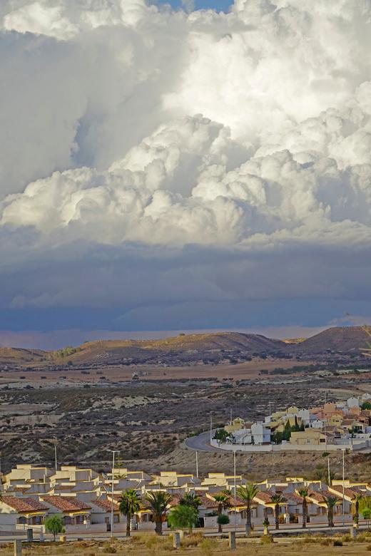 Camposol - Nog een mooi wolkenluchtje. gr. Nel
