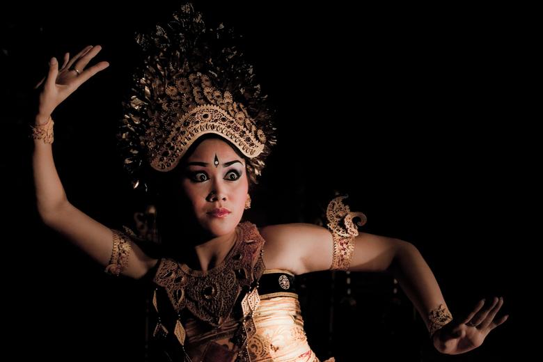 Balinese danseres - Intense blik...