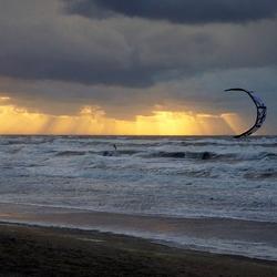 Kitesurfen bij . .