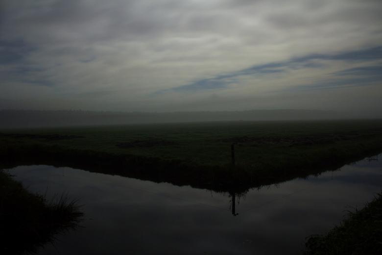 Op de boerderij in het donker