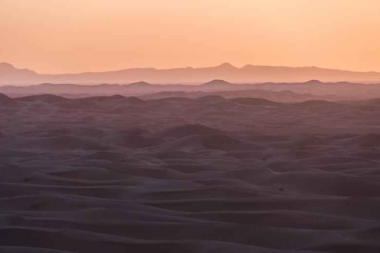 """Roze Ondergang - Zonsondergang in de Sahara in Marokko. Erg Chigaga voor de kenners <img  src=""""/images/smileys/wilt.png""""/>"""