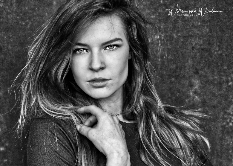 Power vrouw model Tessa  -