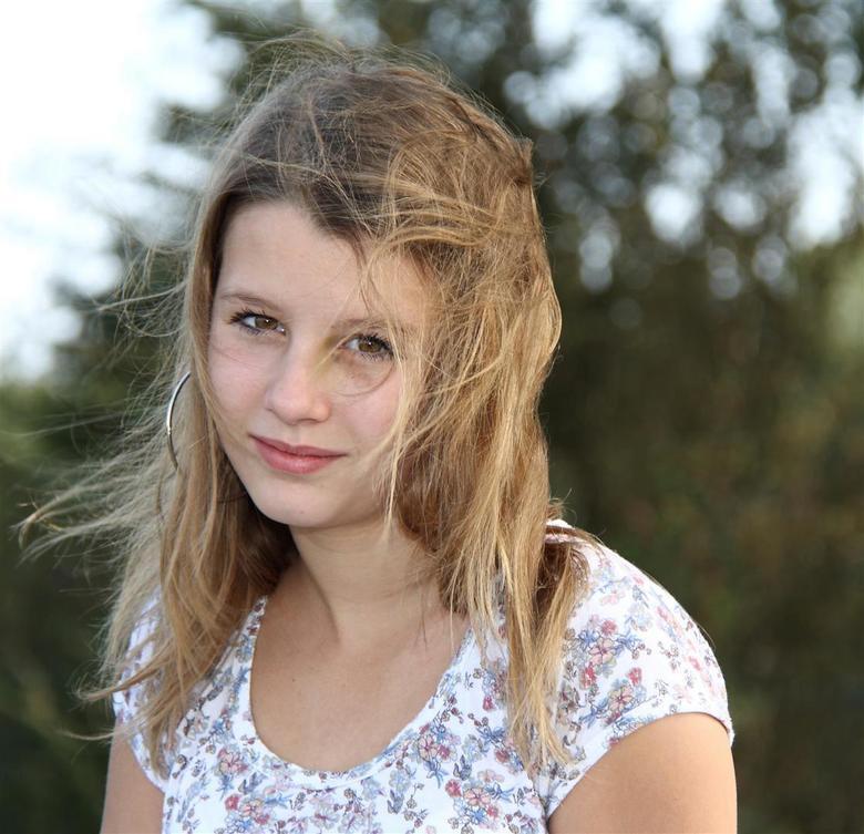 Roos - Model Roos, mijn stappen in portret fotografie.