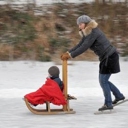 schaatsen en sleetje rijden