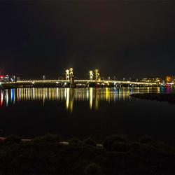 Stadsbrug Kampen bij Nacht