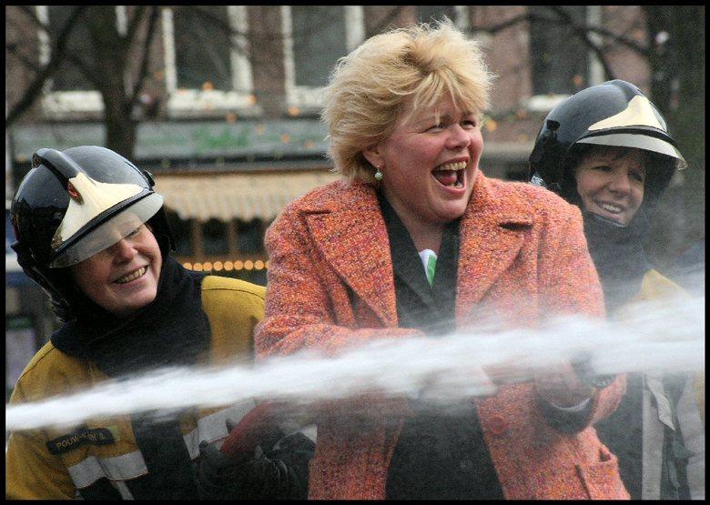 Spuitgasten... - Petitie tbv. netwerk brandweervrouwen.<br /> Aandacht vragen voor diversiteit bij de brandweer.<br /> Beloofd aan de dames foto te