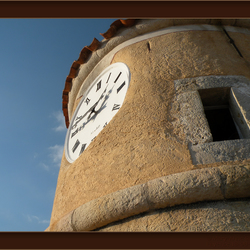 De klok van Fayence