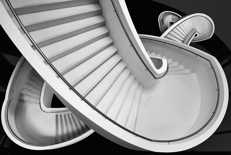 """Spiraal - De beroemde trap uit het stedelijk museum Den Bosch even anders.<img  src=""""/images/smileys/smile.png""""/>"""