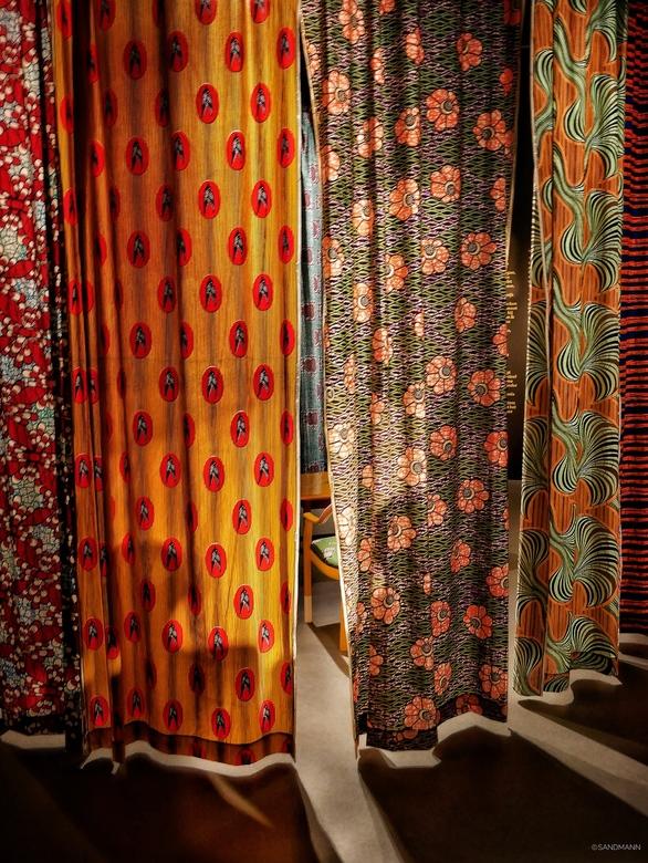 'African Delight' - Tentoonstelling over Afrikaanse modeontwerpers en mode in het Afrika Museum in Berg en Dal. Toen ik deze prachtige geprinte stoffe