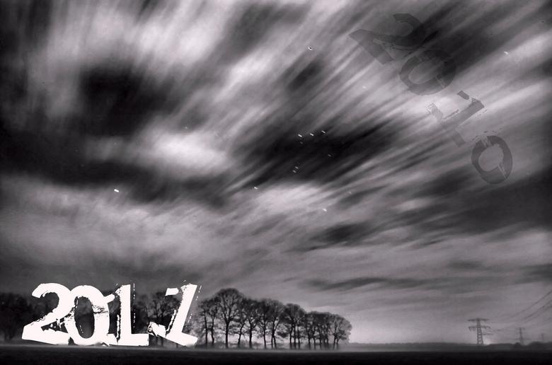 goodbye 2010 hello 2011 - we wensen iedereen een te gek, gezond, fotogeniek, urbanXporational, vintage, leuk,supergoed ...............................