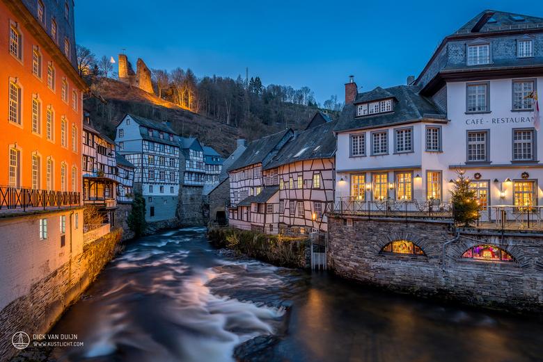 Monschau - Nederlandse stockfoto's van uiterst hoge kwaliteit → hollandpix.com   Een schilderachtig uitzicht op het historische Duitse dorpje Monschau
