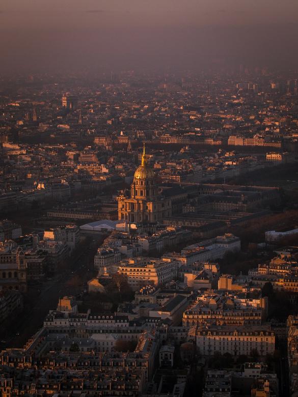 Zonsondergang over Parijs