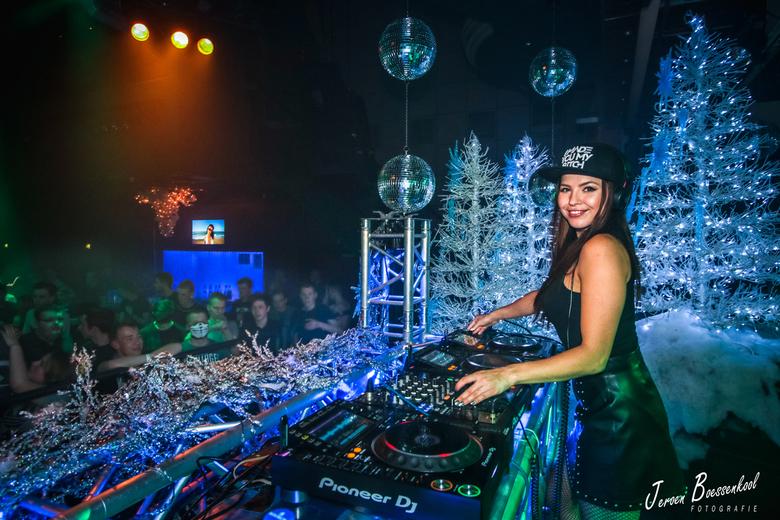 Miss K8 - een Optreden van DJ Miss K8 in zaal Dijk, Lemele