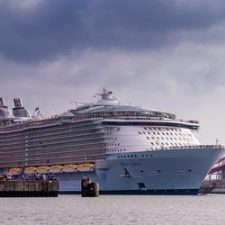 Oasis Of The Seas.jpg