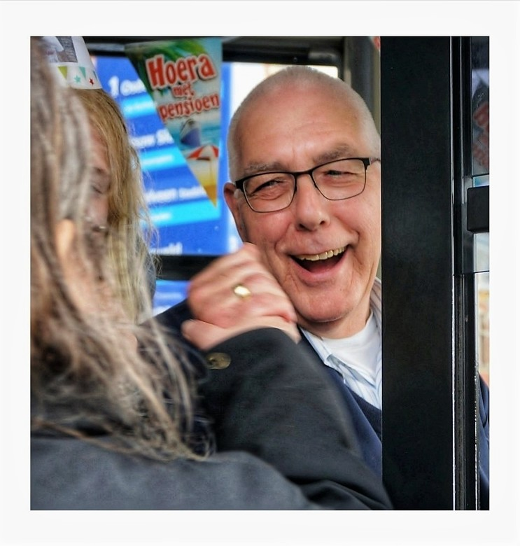 Deze spontane lach . . .  -  . . . . van onze Zoomfoto-vriend Rob zullen we missen!!!<br /> <br /> <br /> Op 12-3 jl. hebben Mary, Cees, Axel, Ben