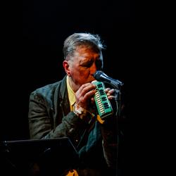 The Nits: Henk Hofstede in concert