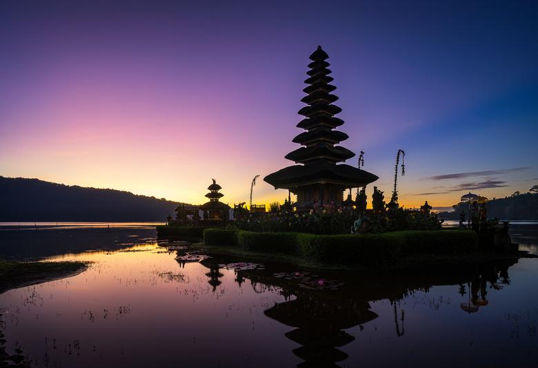 Pura Ulun Danu Bratan - De iconische tempel, de Pura Ulun Danu Bratan, op het Bratanmeer in Bali. Slaap lekker iedereen!!