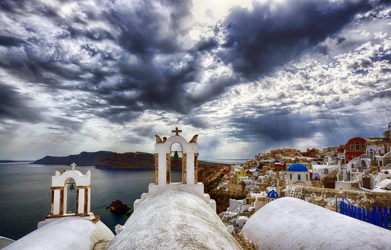 Oia blues - Zo, na een tijdje de camera weer uit de tas gehaald en foto's geschoten op Santorini, Griekenland. Dit is het plaatsje Oia aan het ei