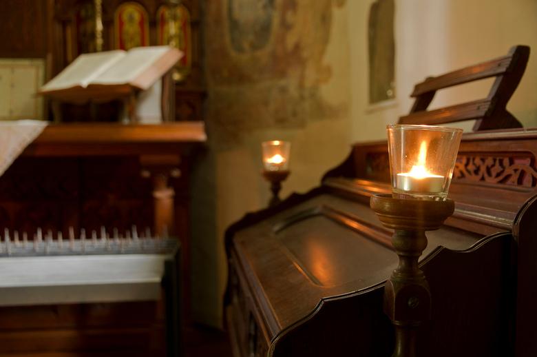 de Kluis Oud-Valkenburg 4 - De laatste uit deze serie, een uitsnede van de altaarkant van de kapel. Dit is gewoon een enkelvoudige foto zonder gekke f