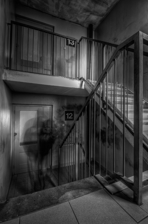 The 13th floor 2 - Vervolg van The 13th floor , het spookte daar echt, schrok me een hoedje toen ik dit zag.