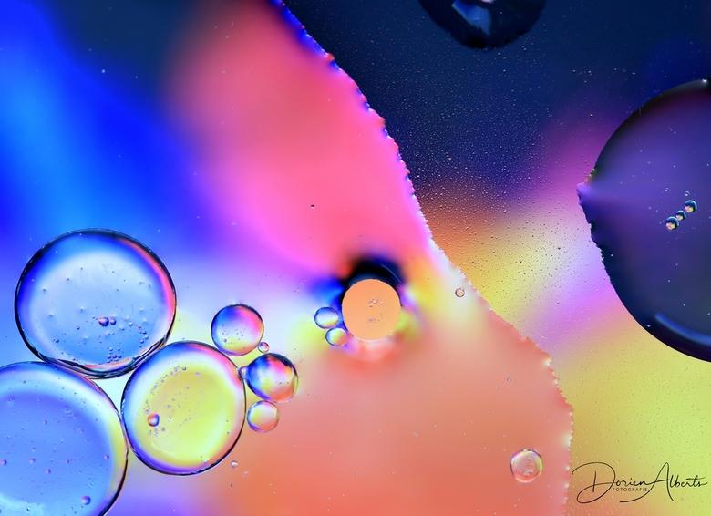 Olie op water -