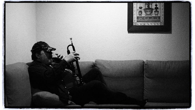 Me, my whiskey and my trumpet - zelfportret