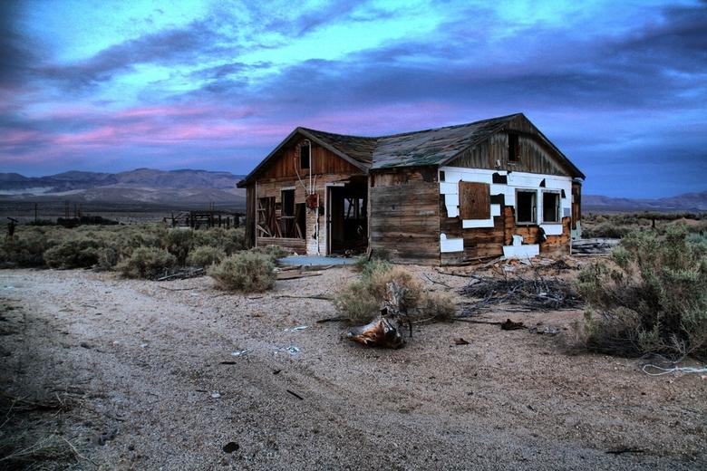 Urbex huisje - Een van de vele urbex huisjes in Amerika. Veel jongeren trekken weg van het platteland naar de grote stad. En geef ze eens ongelijk, er