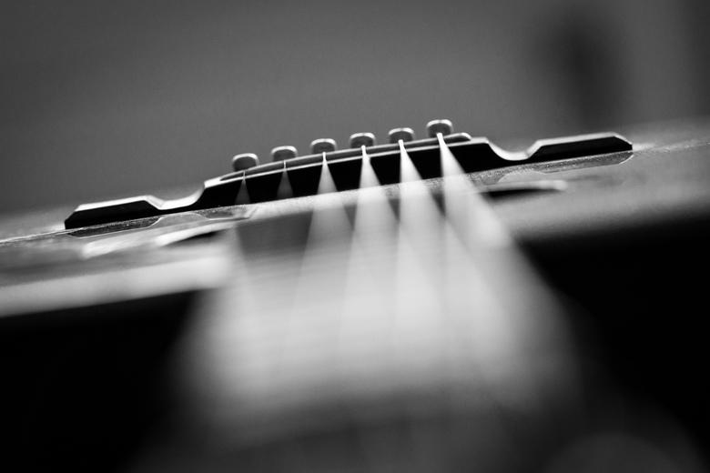 Mijn gitaar... - Een dagje met wat foto-experimenten, met als onderwerp mijn eigen gitaar....