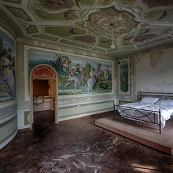 Fresco bedroom