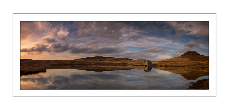 Pano Devoke Water - Panoramafoto van Devote Water, Lake district Engeland.