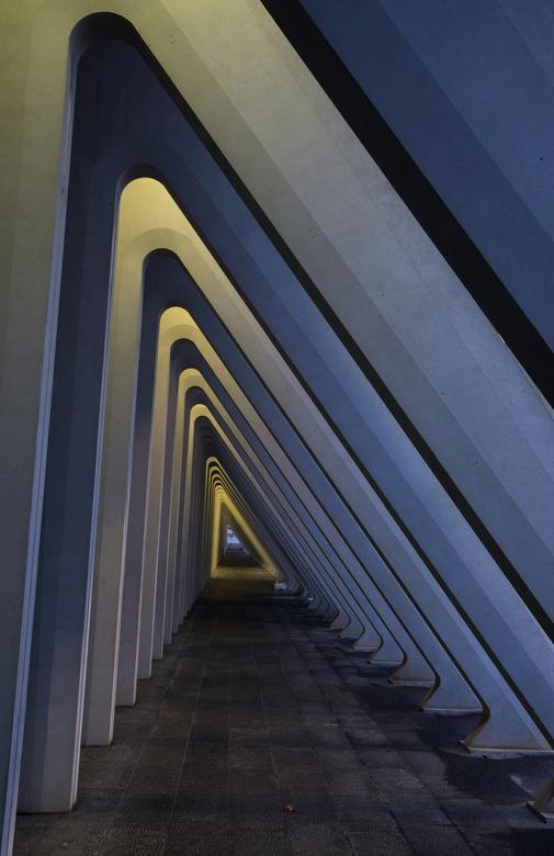 Onderdoorgang naast station Luik.