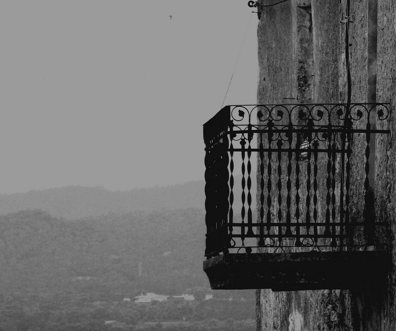 Where Julia meets.... - Romeo......