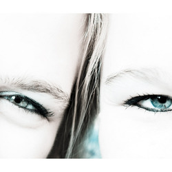 """Kirsten & Patricia """"eyes for you"""""""