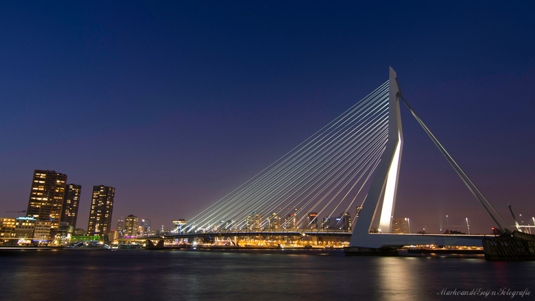 Rotterdam Erasmusbrug  - En nog een van de koude zaterdag 19 januari! <br /> <br /> Tips zijn welkom!!