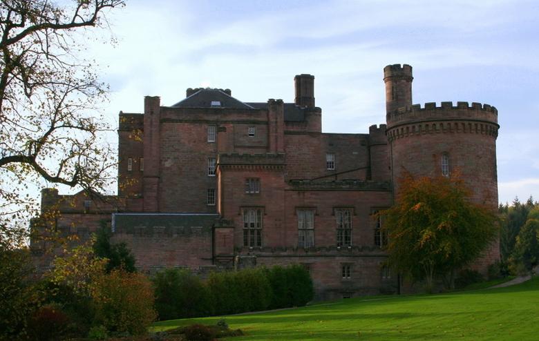 Dalhoussie Castle - Lekker rondreizen door Schotland en dan door je man verrast worden met een nachtje slapen in dit optrekje...<br /> Wat een luxe.<